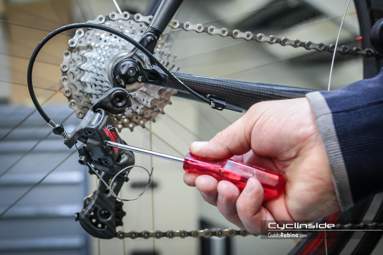 Regolazione Del Cambio Della Bicicletta
