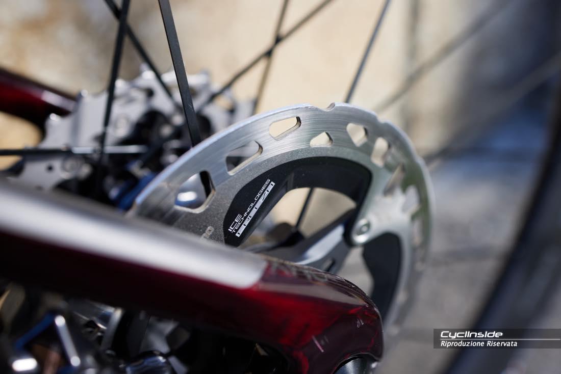 I rotori: la parentela stretta con la tecnologia Shimano off-road è ribadita anche da questi ultimi, che sono gli stessi della serie Xtr.